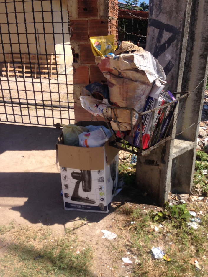 waste basket in olinda
